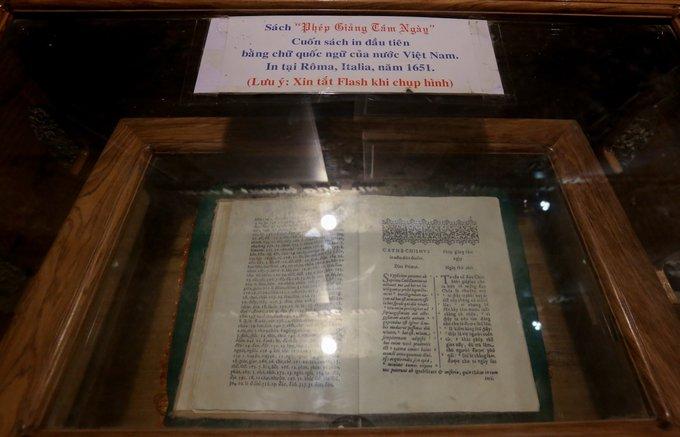 sách chữ quốc ngữ đầu tiên của Việt Nam